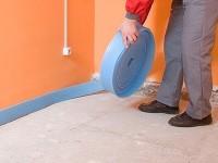 Монтаж водяного теплого пола. Система водяной теплый пол дома.